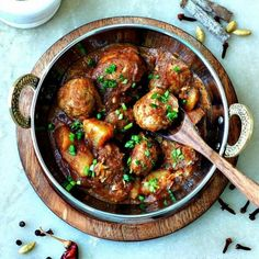 With the aroma of roasted whole spices and the tanginess of tomatoes, this tasty Masala Meatball Curry is a crowd pleasing dinner.