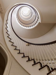 Hired to gut and rebuild a dilapidated Manhattan townhouse, Peter Pennoyer Architects crafted a spiraling staircase as a dramatic focal point . Greenwich Village, New York Townhouse Restored by Peter Pennoyer and Shawn Henderson Architecture Details, Interior Architecture, Interior And Exterior, Interior Design, Amazing Architecture, New York Townhouse, Townhouse Interior, Hall Design, Stair Design