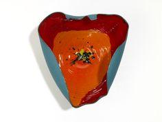 Ciotola in Ceramica dal design contemporaneo, tecnica Maiolica, titolo dell'opera IL SEME
