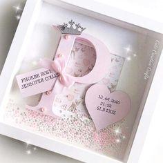 birth Diy Baby Gifts, Baby Girl Gifts, Baby Crafts, Baby Shower Gifts, Craft Gifts, Cadre Photo Diy, Marco Diy, Ideas Scrapbook, Scrapbooking Ideas