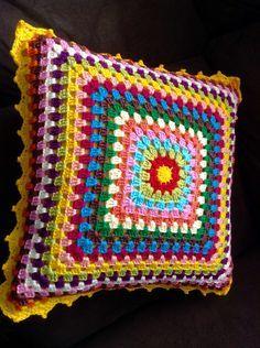 Crochet colored cushion Value referring to unit. Crochet Pillow Patterns Free, Crochet Snowflake Pattern, Crotchet Patterns, Granny Square Crochet Pattern, Crochet Squares, Crochet Stitches, Crochet Cushion Cover, Crochet Cushions, Granny Square Häkelanleitung