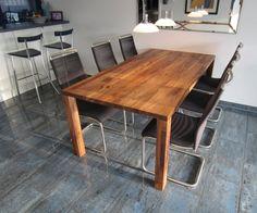 Tisch Milas, Amerikanischer Nussbaum Mit Baumkante/Waldkante. Küchentisch  Cos Aus Massiver Französischer Walnuss