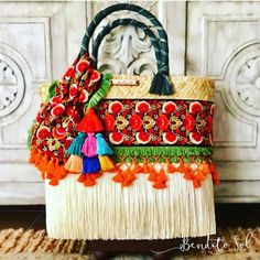 El crudo en todas sus combinaciones. ¡Ya casi dándole la bienvenida a la primavera!  Bolsas Grandes. #artesanal #mexico #hechoenmexico #hechoamano