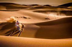 Los obstáculos son para superarlos algo obvio pero de vez en cuando se nos olvida. Gas!!   Piloto: Joan Barreda #velocidad #speed #moto #motorbike #carrera #race #arena #sand #desierto #desert #dunas #dunes #marruecos #morocco #rally // Fot.: M. Chytka