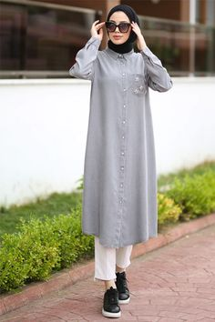 Muslim Women Fashion, Islamic Fashion, Hijab Dress, Hijab Outfit, Abaya Fashion, Women's Fashion Dresses, Hijab Style, Stylish Dresses For Girls, Most Beautiful Dresses