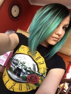 Pravana Mint hair