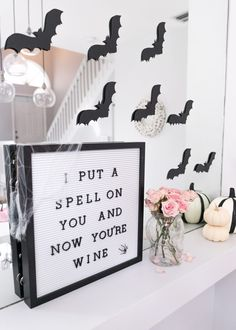Cute and Girly Halloween Party Ideas - The Fancy Things It's getting very SPOOOKY over here! Well, not reallyyy ;-) But today I'm soo excited to share a few cute halloween party ideas Halloween Letters, Fröhliches Halloween, Holidays Halloween, Beetlejuice Halloween, Halloween Bedroom, Cute Halloween Decorations, Halloween Printable, Halloween Poster, Halloween Quotes