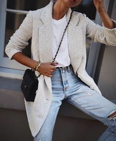 15 Cozy Outfits With Sleeveless Sweaters Styleoholic
