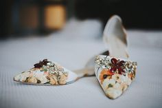 wedding shoes - photo by Victoria Carlson Photography http://ruffledblog.com/san-diego-spring-wedding