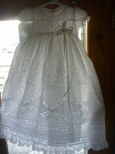 Robe de Baptême campagne valencienne motifs losanges.