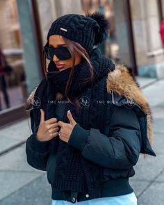 Luxusná dámska čiapka a šál čierna Winter Hats, Fashion, Moda, Fasion, Trendy Fashion, La Mode
