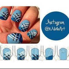 Nail art rayures bleues