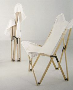 Tripolina an icon in the world of folding chairs, the original version was devised by Joseph Beverly Fenby in England around 1855 for use by officers during British Army campaigns.