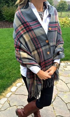 Plaid Button Blanket Scarf/Shawl – 4 Color Options – Women's Fashion Sewing Clothes, Diy Clothes, Stylish Clothes, Tartan Plaid, Diy Fashion, Tartan Fashion, Fashion Scarves, Fashion Ideas, Autumn Winter Fashion