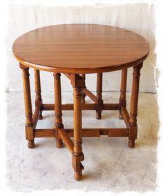 Gorgeous Antique Solid Wood Drop Leaf Table $225