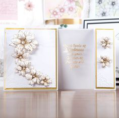 Honey Doo Crafts Relatively Little Words Collection - Relatively Little Words 1 and Flowers for Design - 33 Elements Honey Doo Crafts, Book Folding, Create And Craft, Creative Cards, Flower Cards, Homemade Cards, Birthday Cards, Projects To Try, Card Making