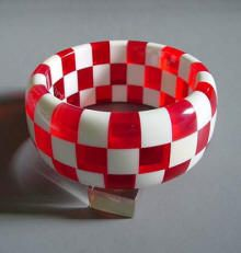 Bakelite red and white checkerboard bracelet ~ vintage jewelry