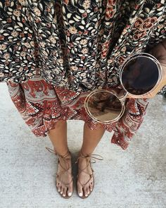 ☼ ☾ boho print dress with strappy sandals and sunnies Look Boho Chic, Bohemian Style, Boho Fashion, Fashion Beauty, Womens Fashion, Looks Style, Style Me, Beaded Beads, Summer Outfits