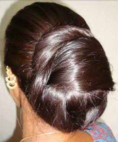 longhairgirls: pure indian long hair silky bun,ponytail nice to watch Thick Hair Bob Haircut, Bun Hairstyles For Long Hair, Braids For Long Hair, Long Indian Hair, Bridal Hair Buns, Long Layered Haircuts, Long Haircuts, Beautiful Long Hair, Amazing Hair