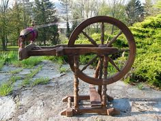 Slovakian spinning wheel with a big metal flyer.