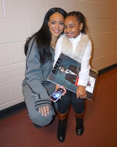 Rihanna poses with fans backstage at her Anti World Tour Concert in Philadelphia 2016 photography