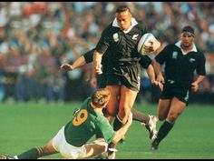Former Springbok star Joost van der Westhuizen has paid a tearful tribute to Jonah Lomu. Jonah Lomu, World Cup Final, All Blacks, Rugby Players, Real Man, The Man, Abs, Sports, People