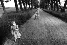 photo by Larry Towell