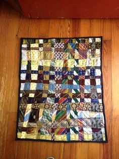 Quilt made by weaving neckties