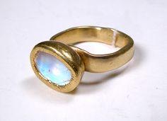 Ann Culy 22k Moonstone Ring