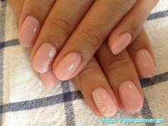 Elegant nail art color fill of pink sheer    シアーなピンク色の上品な一色塗りネイル    nailsalon pomponner