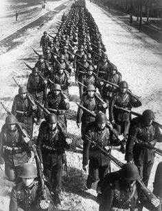 operationbarbarossa:  Polish troops, each armed with a bolt-action short rifle, the Karabinek wz. 1929, march westward in song towards the oncoming Wehrmacht - September 1939 The Soviet invasion of Poland from the East would soon follow on 17 September 1939 in accordance with the secret protocol of the Molotov-Ribbentrop Pact.
