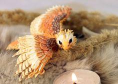 Ähnliche Artikel wie Kleine Drachen niedlichen figürchen Gold hawk Raubtier Vogel, Jagd Falke, Fantasie Kunst Skulptur Handarbeit - magische Geschenk auf Etsy