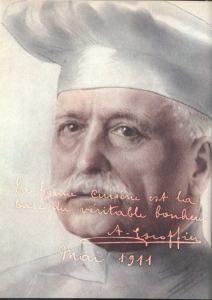 Auguste Escoffier, il più celebre degli chef francesi, l'uomo che ha trasformato la Francia nella patria della gastronomia mondiale, dedicò a Clara, principessa di Chimey, sue sue creazioni, le Oeufs a la Chimay, le uova alla Chimay, e il Poulard Chimay, il pollo Chimay.