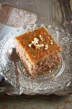 Καρυδόπιτα Ένα από τα κλασικά σιροπιαστά γλυκά μας που έχει πάντα φανατικούς θαυμαστές!