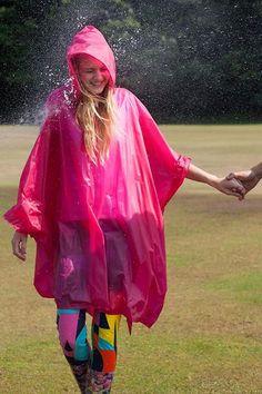 Poncho Raincoat, Pink Raincoat, Rain Poncho, Capes & Ponchos, Only Fashion, Rain Wear, Girls In Love, Girls Wear, Fashion Stylist