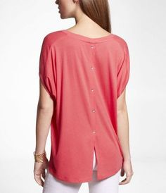 BUTTON BACK TUX TAIL WEDGE TEE at Express