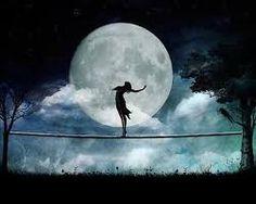 Resultado de imagen para mujer lunar