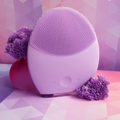 The Foreo LUNA 2 – my new obsession, check out all the reasons I love this moon beauty magic. Best Face Products, Pure Products, Beauty Products, Beauty Tips Blog, Beauty Magic, Facial Cleansing Brush, Younger Skin, Skin Care Tools, Combination Skin