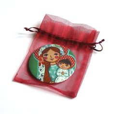 Pocket mirror Mother Mary Baby Jesus Madonna and Child Hand mirror Little girl purse mirror favors Girl baptism gift Baby birthday gift