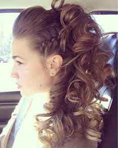 Tommy Herring at Azul Salon And Spa Macon, GA Funky updo. Tommy Herring at Azul Salon And Spa Macon, GA Dance Hairstyles, Ponytail Hairstyles, Wedding Hairstyles, Hairstyle Men, Formal Hairstyles, Hair Up Styles, Medium Hair Styles, Funky Hairstyles For Long Hair, Aesthetic Hair