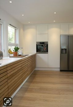 White wall - All About Balcony Modern Kitchen Cabinets, New Kitchen, Kitchen Dining, Kitchen Decor, Kitchen White, Kitchen Room Design, Industrial House, Trendy Home, Cuisines Design