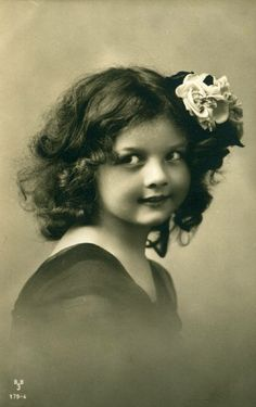 Vintage Children Photos, Vintage Girls, Sweet Girls, Digital Image, Cute, Model, Victorian, Cute Girls