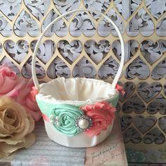 Menta y Coral flor cesta de la muchacha / rustica cesta de