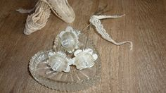 Ingrids creaties .: Bloemetjes van oud boek en knoopjes...