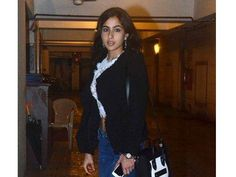 Sara Ali Khan walks out of her debut film - http://nasiknews.in/sara-ali-khan-walks-out-of-her-debut-film/