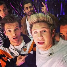 14 Times Niall Horan Was the Best Part of One Direction One Direction Selfie, Four One Direction, One Direction Images, Members Of One Direction, Normal Guys, Dance With You, Family Show, 1d And 5sos, Liam Payne