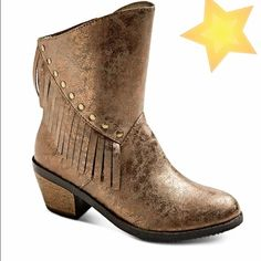 SALEFRINGE Festival Bronze Cowboy Boots Funky Fringe Festival cowboy boots by Stevie's (Steve Madden's daughter) are all you need to rock the house day or night Shimmery metalllic bronze faux leather upper embellished with fringe and studs will add sass to any outfit. Marked Big Girls Size 4 Fits Women's Size 6 perfect. Very comfy and NEW (no box) Stevies Shoes Ankle Boots & Booties