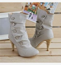 5 Stylish Women's Boots