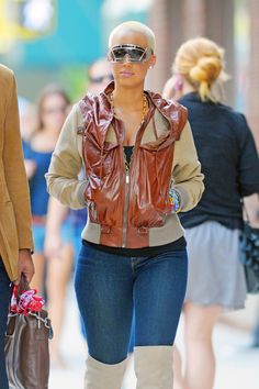 Brillant Amber Rose ...Modish Dame...