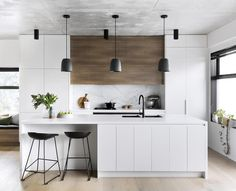 A modern kitchen with a timeless palette Kitchen Interior Design Kitchen modern palette Timeless Timber Kitchen, Farmhouse Style Kitchen, Modern Farmhouse Kitchens, Home Decor Kitchen, New Kitchen, Cool Kitchens, Kitchen Ideas, Awesome Kitchen, Kitchen Inspiration